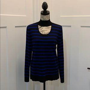 NWT Cable and gauge keyhole light sweater